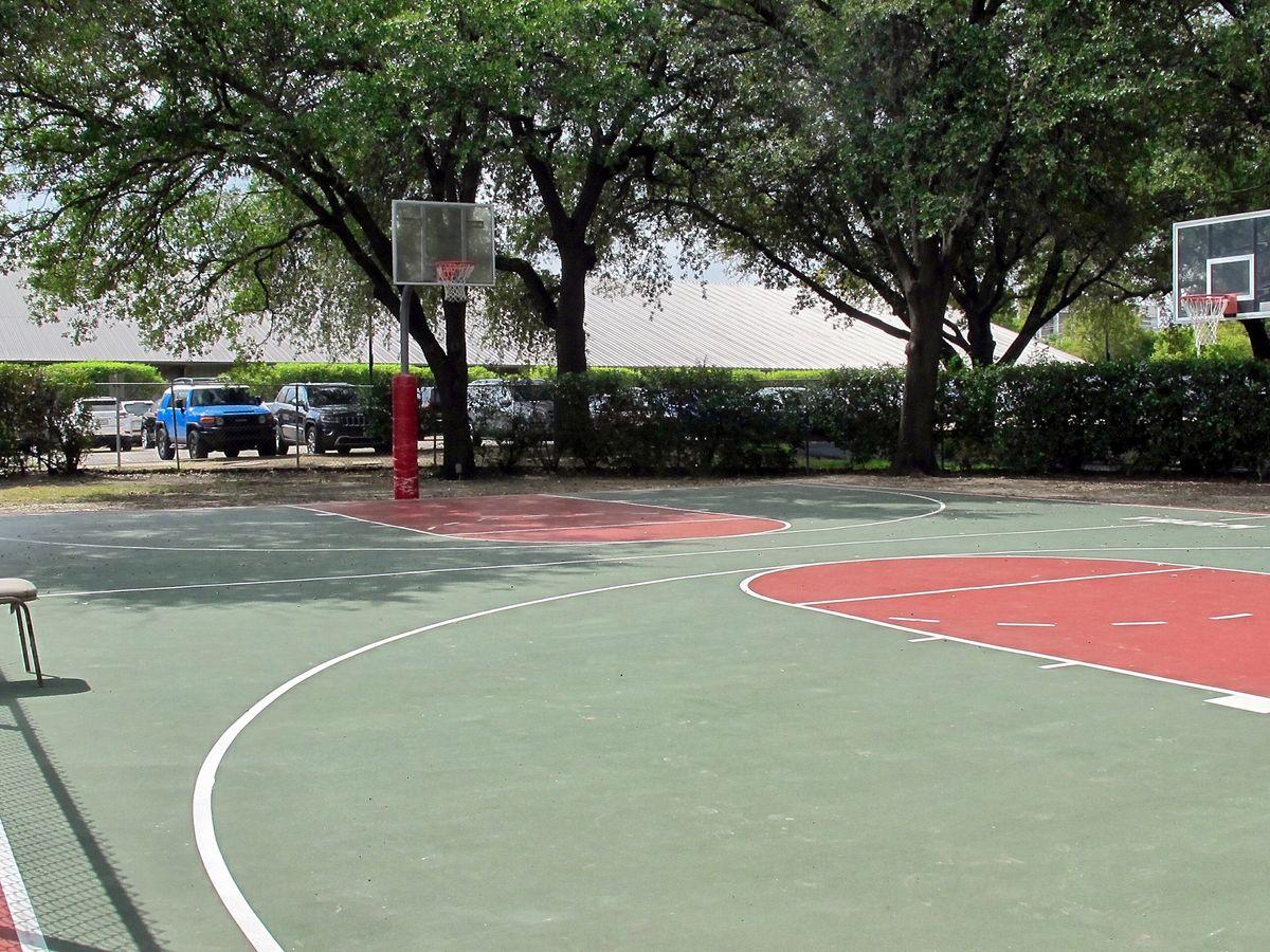 Tennis Pool Club Photo Shoot Location04.JPEG
