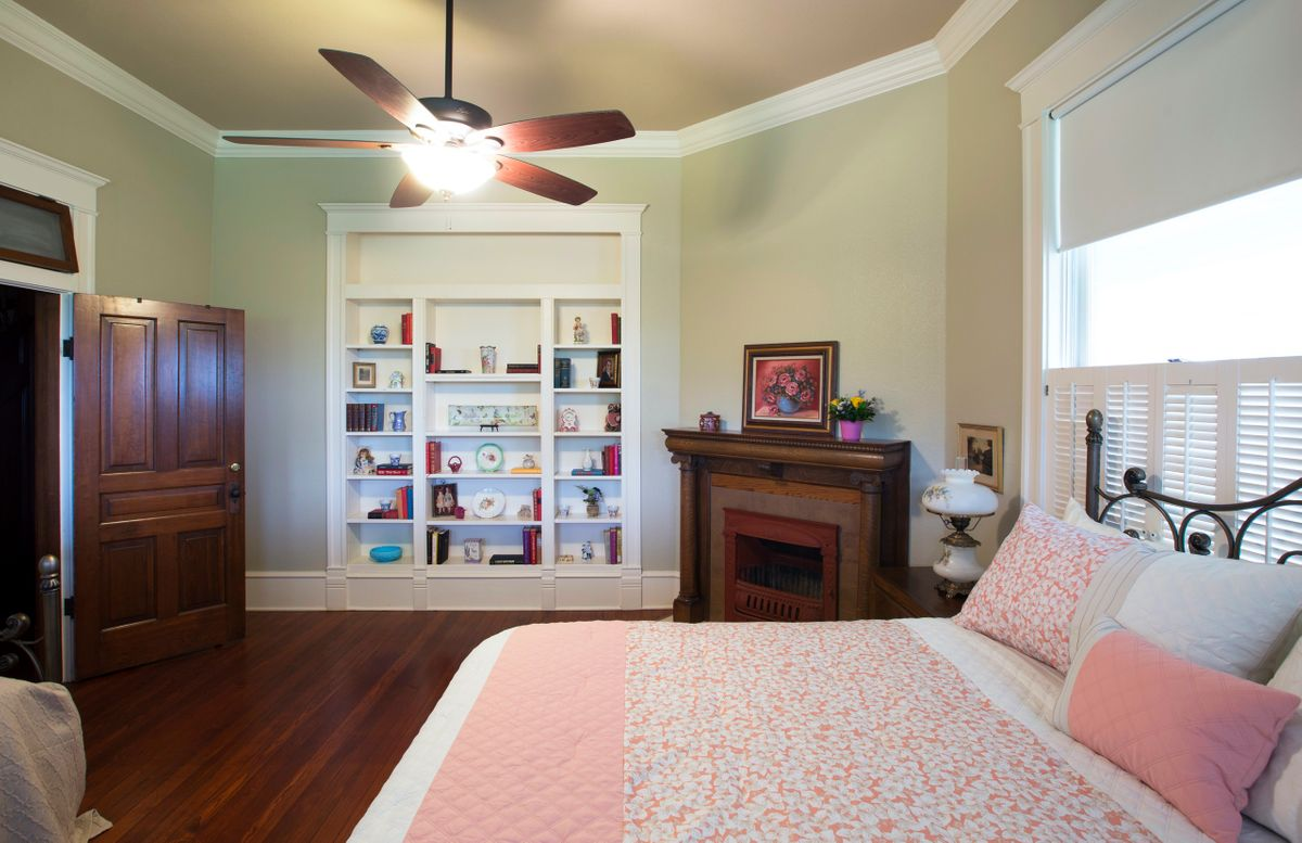 Sanders Hitch Traditional Home Photo Video Shoot Location Interior Rooms 0.jpg