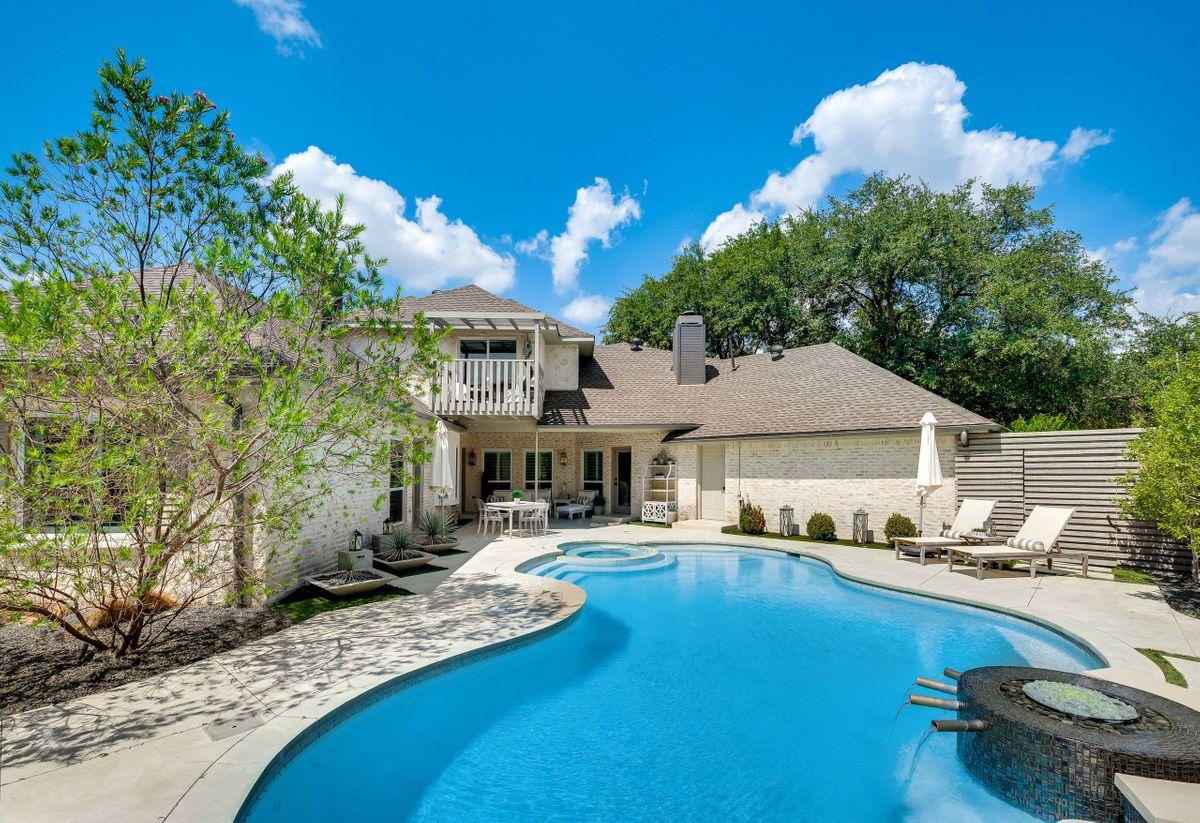 Elle Traditional House Video Shoot Location Dallas 40.jpg