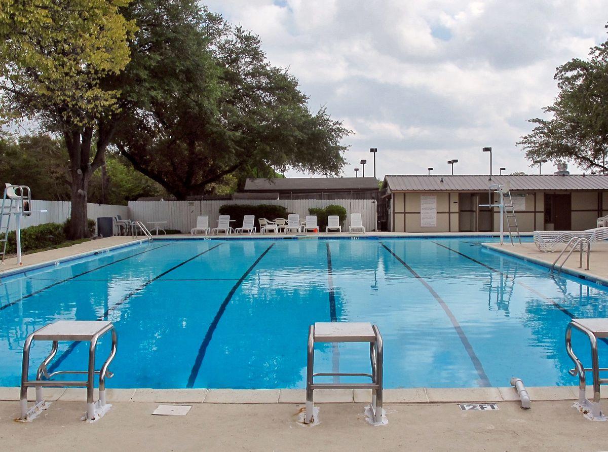 Tennis Pool Club Photo Shoot Location01.JPEG