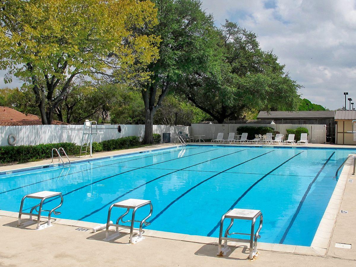 Tennis Pool Club Photo Shoot Location06.JPEG
