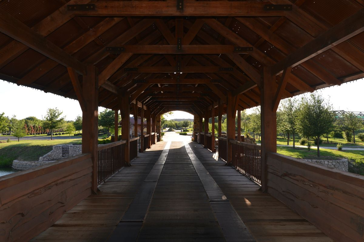 Sanders Hitch Traditional Home Photo Video Shoot Location Landscape Bridges  3.JPG