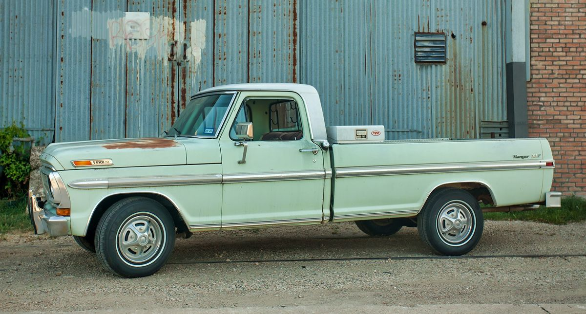 Ford Ranger XLT Truck Photo Video Shot Prop Rental Vehicle