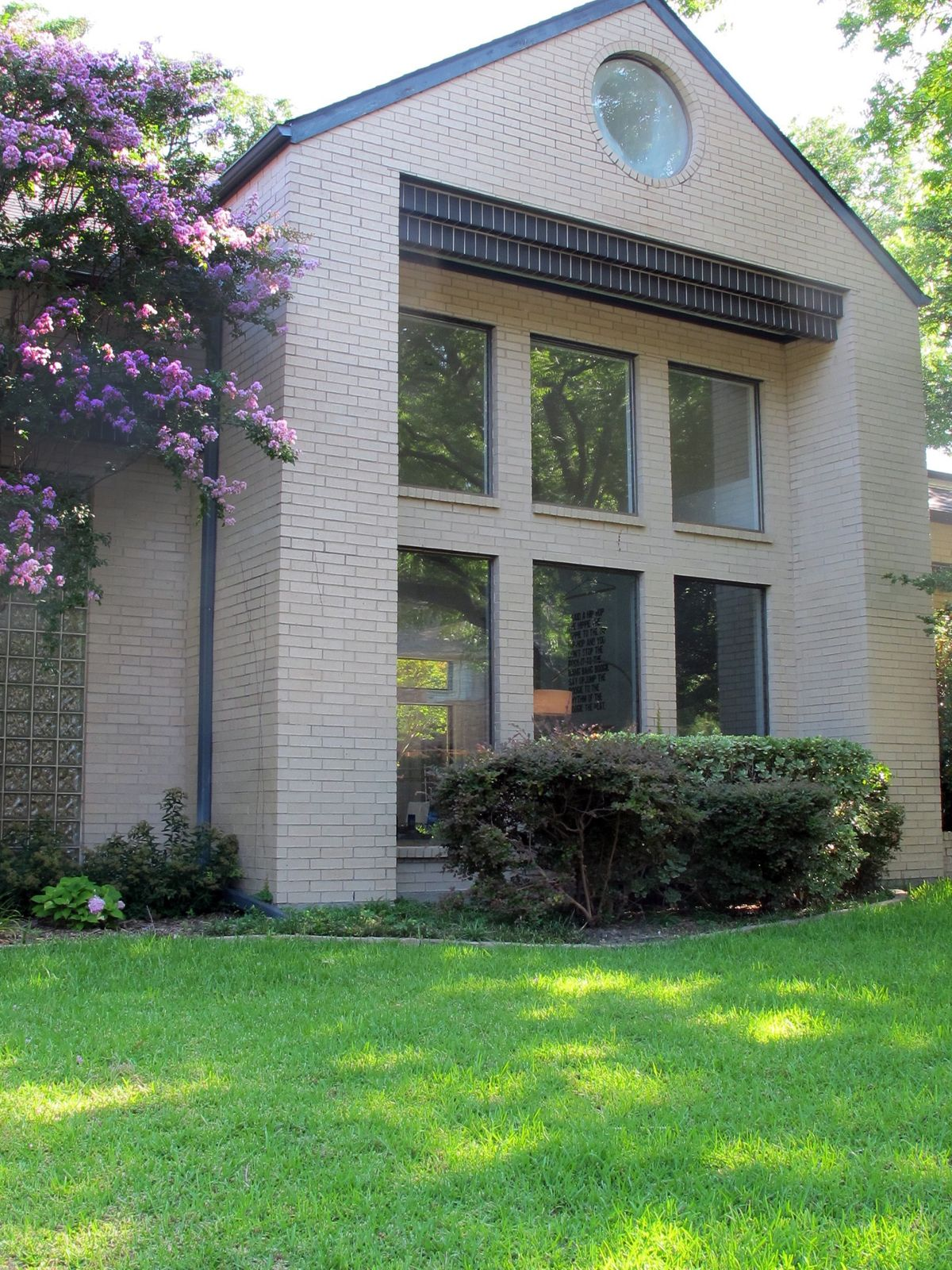 Kirkpatrick Contemporary Home Photo Video Shoot Location Dallas 33.jpg