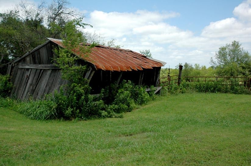 1r22_exterior_ranchhouse_gibbons_00.jpg