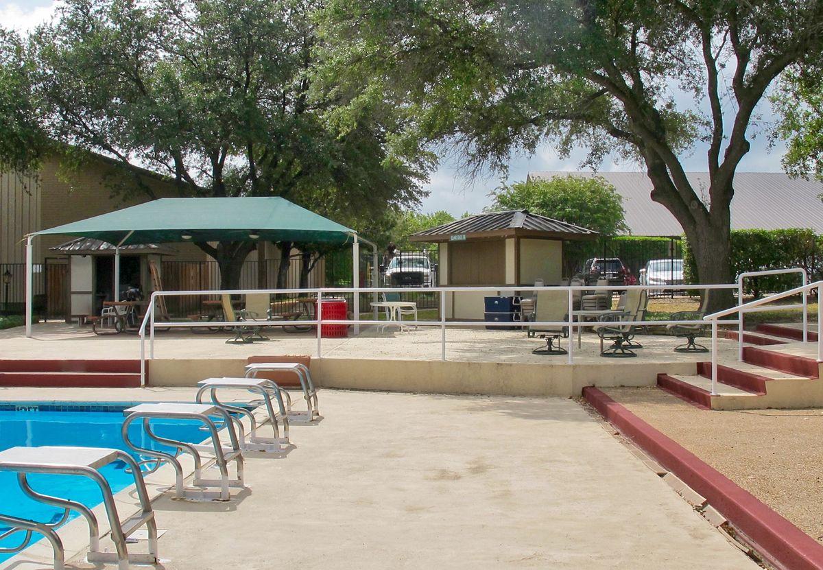 Tennis Pool Club Photo Shoot Location03.JPEG