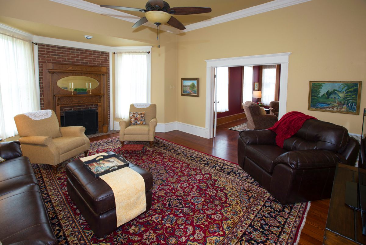 Sanders Hitch Traditional Home Photo Video Shoot Location Interior Rooms 13.jpg