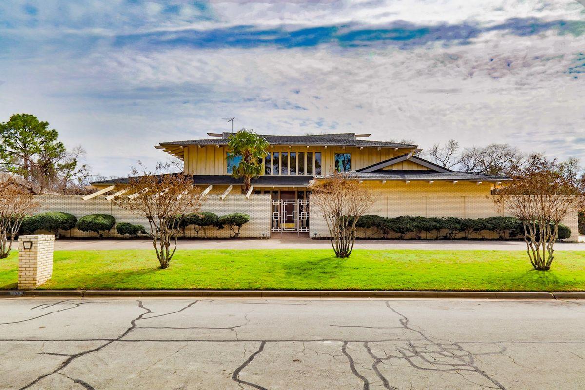 Shag Palace Mid Century Modern Home Photo Video Shoot Location Dallas