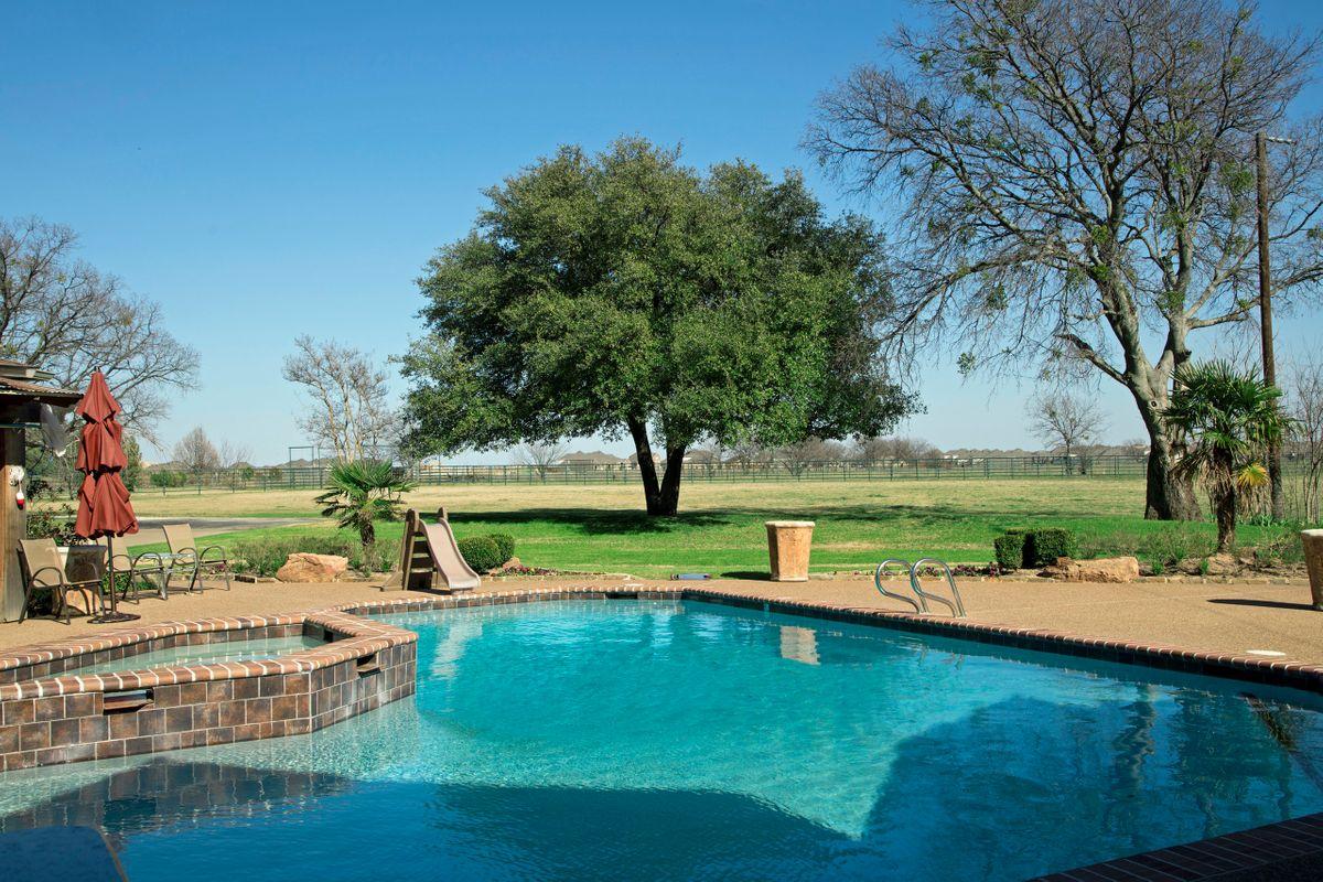 Sanders Hitch Traditional Home Photo Video Shoot Location Pool 2.jpg