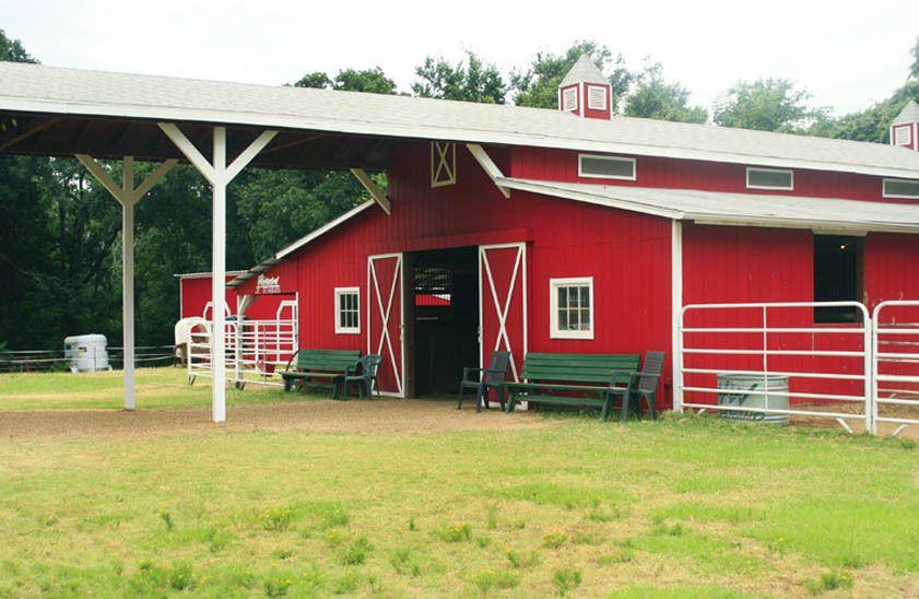 1r33_barn_bankston_ranch_00.jpg