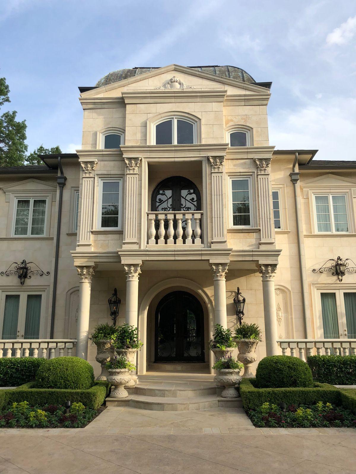 Falls Mansion Photo Video Shoot Location  Dallas 69.jpg