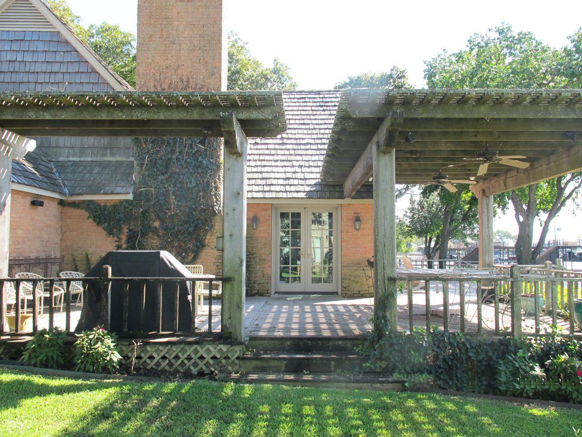 Pola Lakehouse Video Shoot Location Homes Dallas 35.jpg