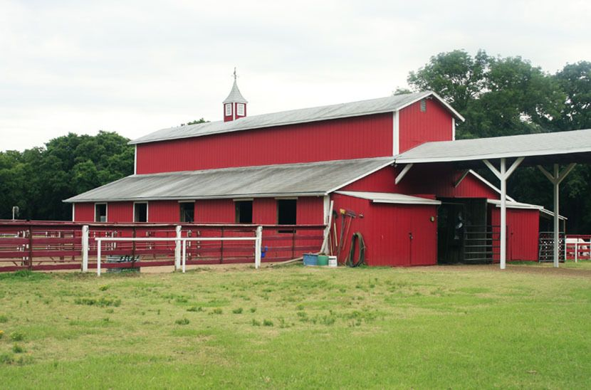 1r34_barn_bankston_ranch_00.jpg