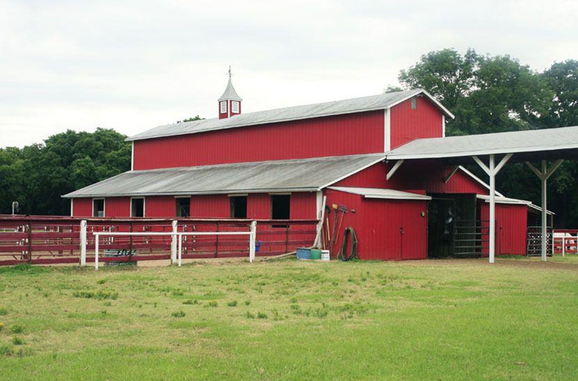 1r34_barn_bankston_ranch_00.jpg