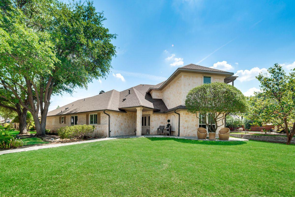 Elle Traditional House Video Shoot Location Dallas 2.jpg