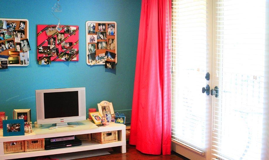 1r21_bedroom_squibb.jpg