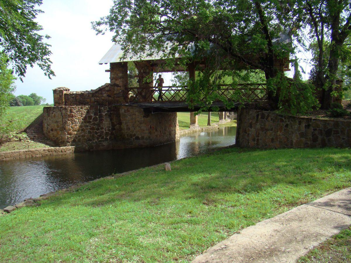 Sanders Hitch Traditional Home Photo Video Shoot Location Landscape Bridges  7.jpg