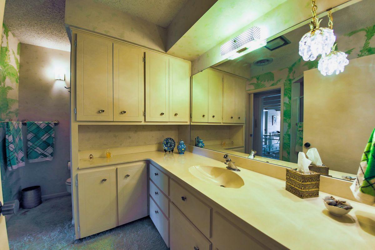 Shagplace Mid Century Modern Home Photo Video Shoot Location Dallas 19.jpeg