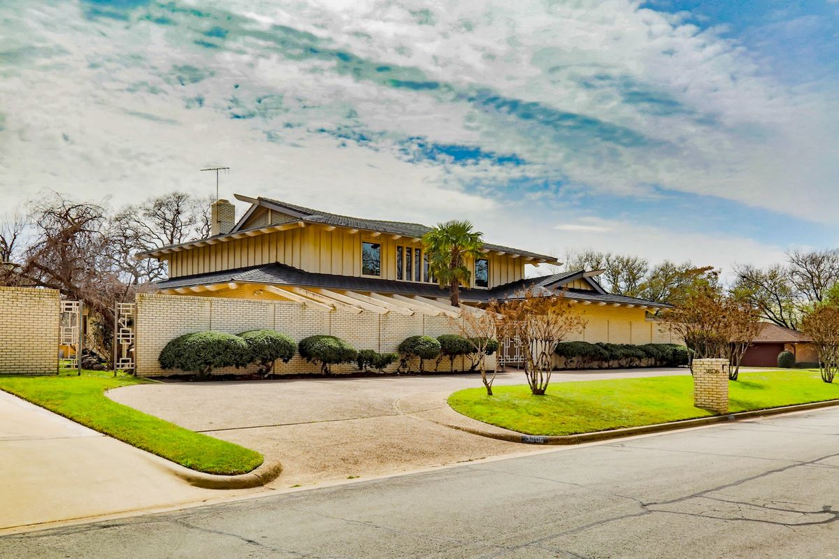 Shag Palace Mid Century Modern Home Photo Video Shoot Location Dallas 45.jpeg