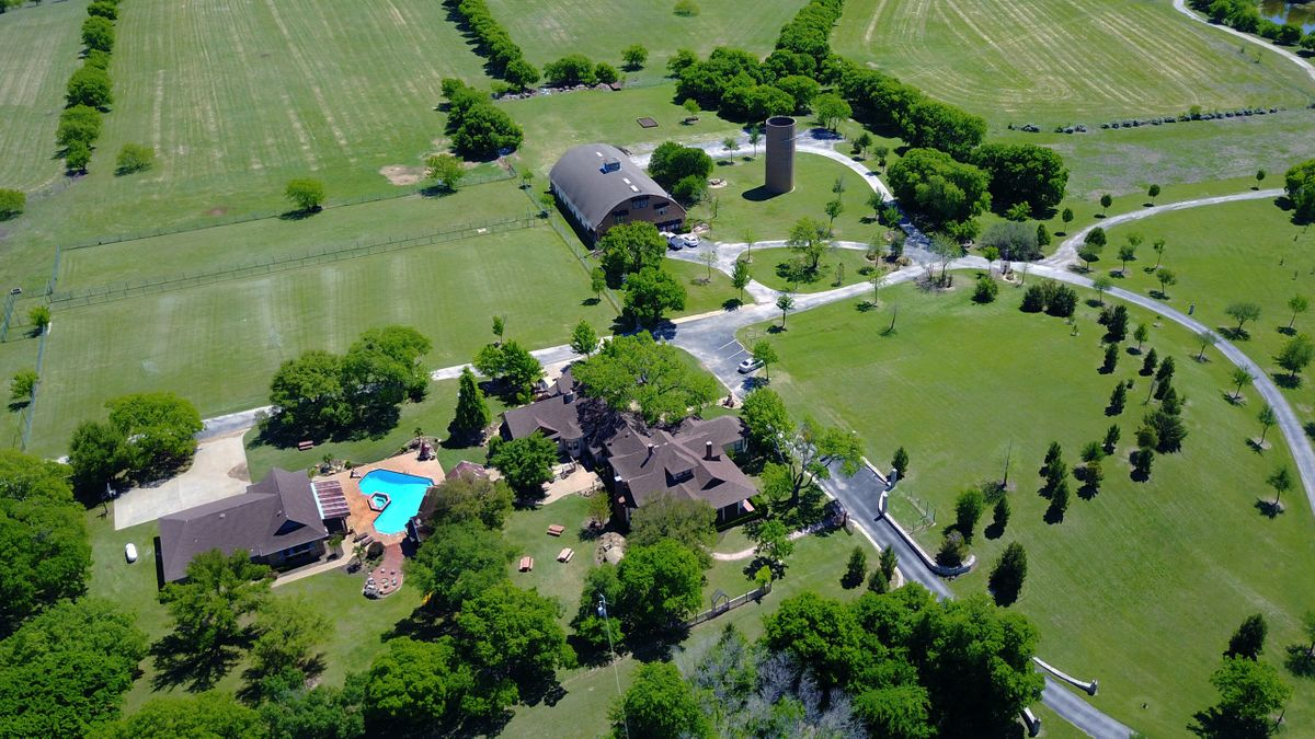 Sanders Hitch Traditional Home Photo Video Shoot Location Landscape Arial  0.JPG