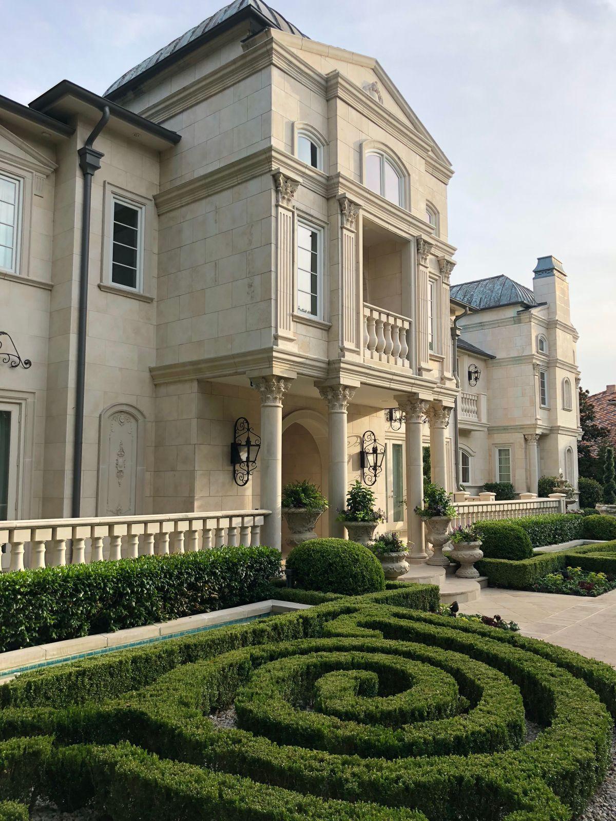 Falls Mansion Photo Video Shoot Location  Dallas 71.jpg
