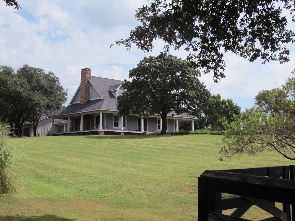 Jim's Farm Home Photo Video Shoot Location Dallas 32.jpg