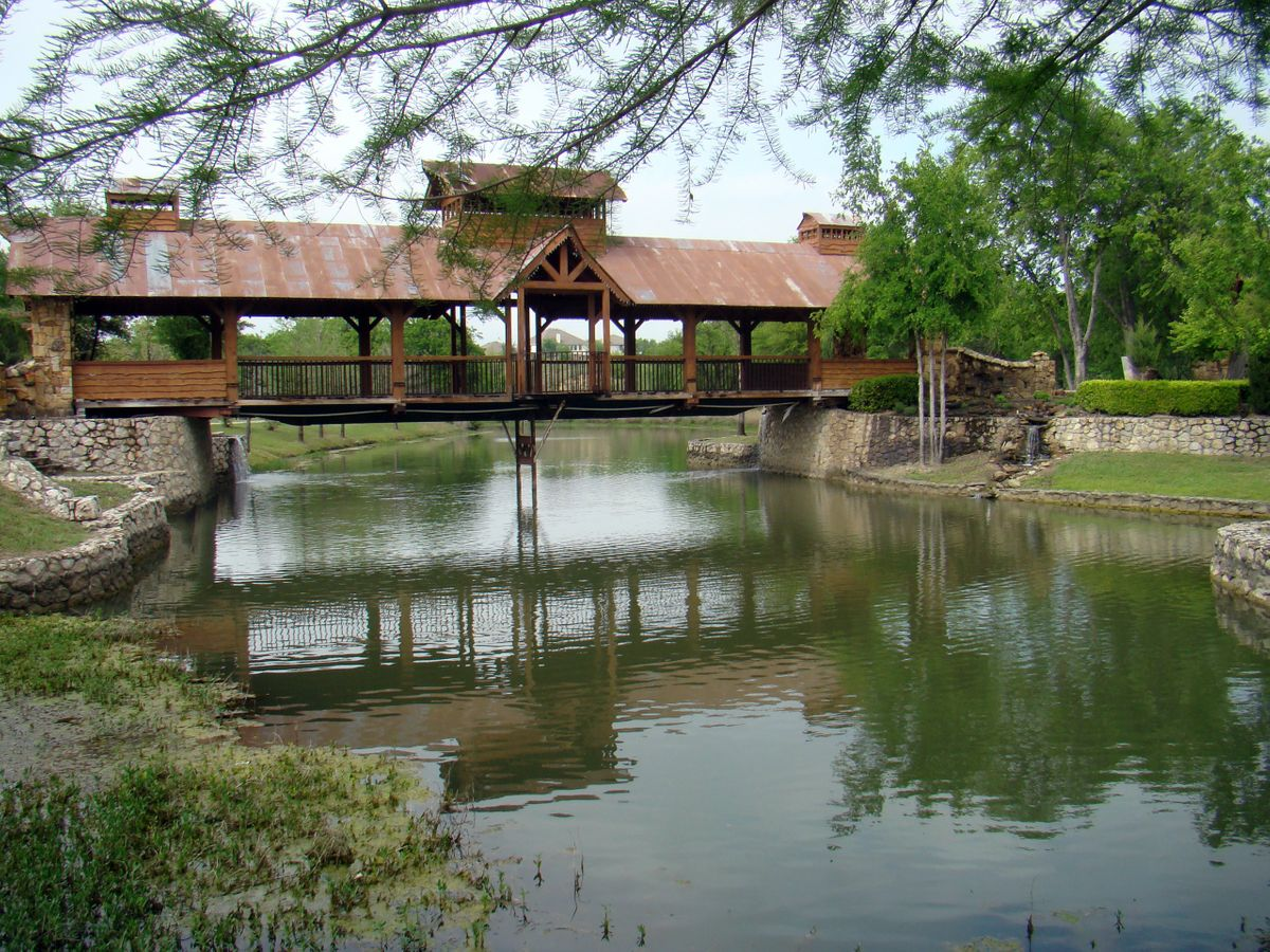 Sanders Hitch Traditional Home Photo Video Shoot Location Landscape Bridges  9.jpg