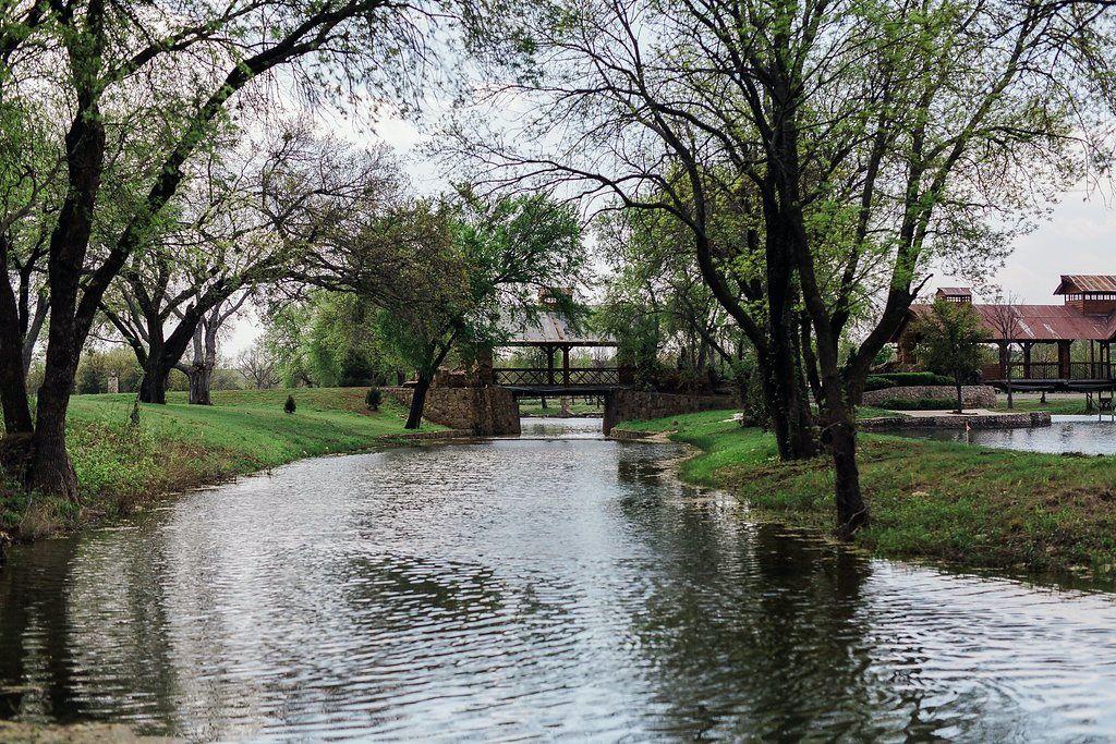 Sanders Hitch Traditional Home Photo Video Shoot Location Landscape Bridges  1.jpg