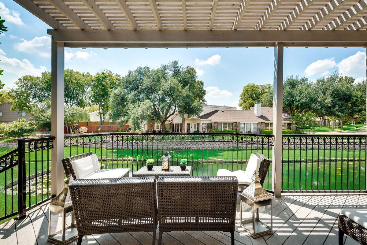Elle Traditional House Video Shoot Location Dallas 43.jpg