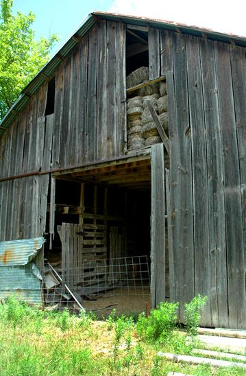 1r16_barn_ranchhouse_gibbons_00.jpg