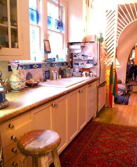 1r19_kitchen_shook.jpg