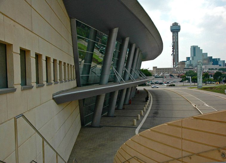 1r16_hall_editorial_dallas_convention_center_00.jpg