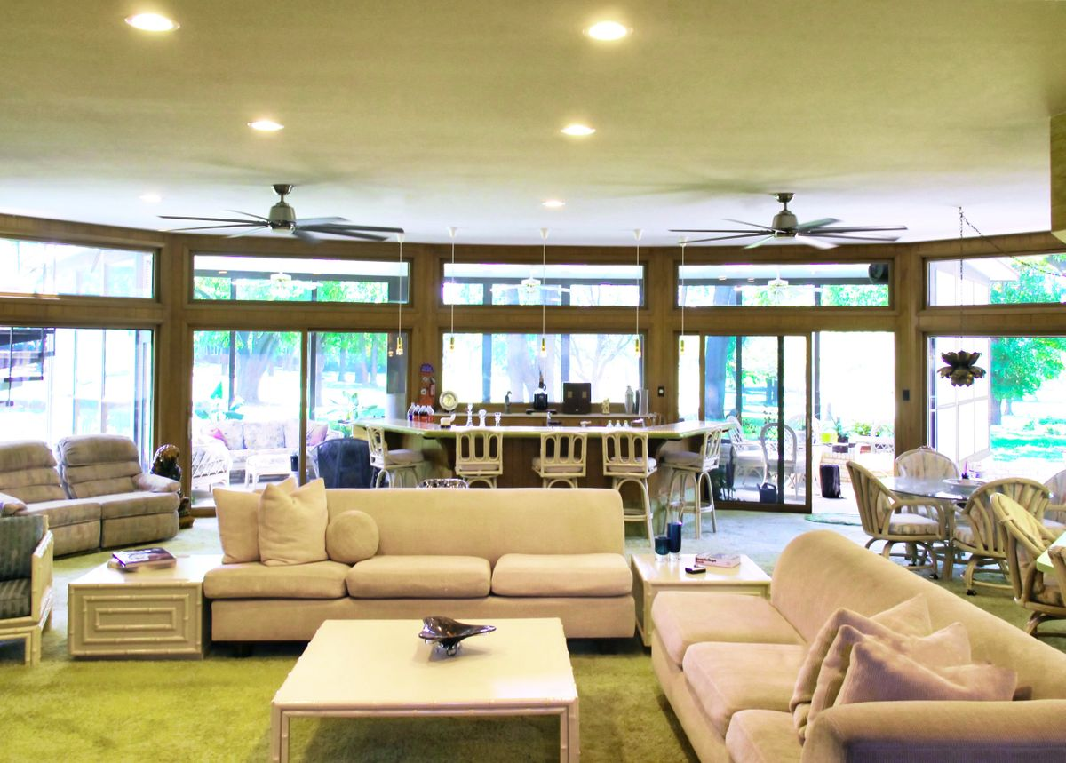 Shag Palace Mid Century Modern Home Photo Video Shoot Location Dallas55.jpeg