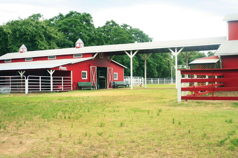 1r32_barn_bankston_ranch_00.jpg