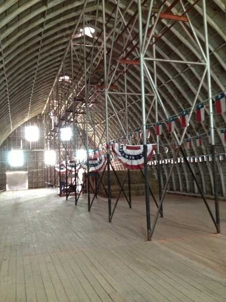 1r21_interior_barn_north_rio_vista.jpg