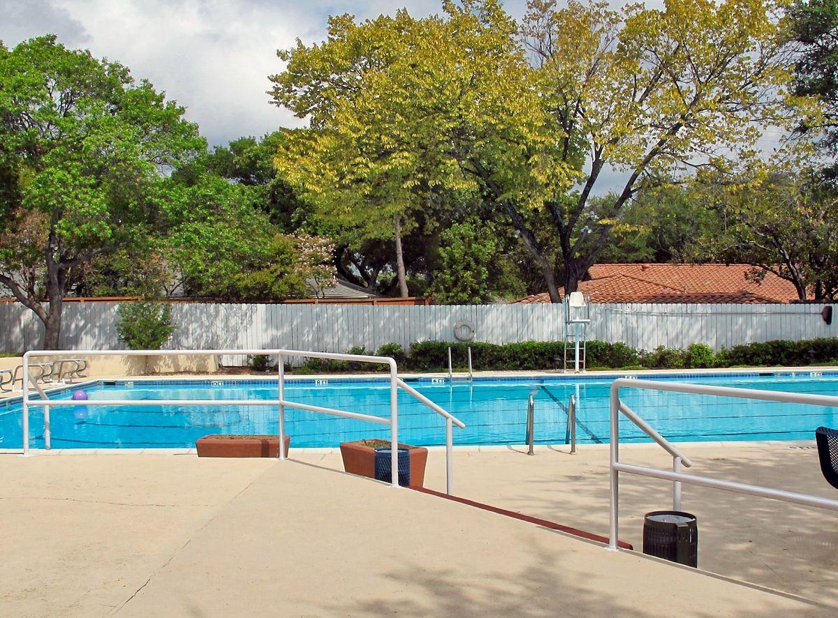 Tennis Pool Club Photo Shoot Location11.JPEG