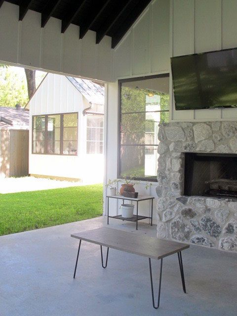 Larson Contemporary Modern Photo Video Shoot Location Dallas14.jpg