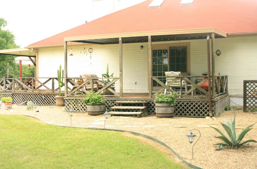 1r22_exterior_bankston_ranch_00.jpg