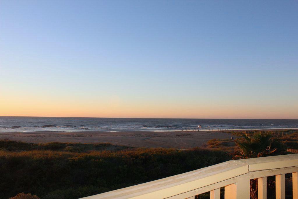 Butterfly Lake Beach House Photo Video Shoot Location Galveston 15.jpg
