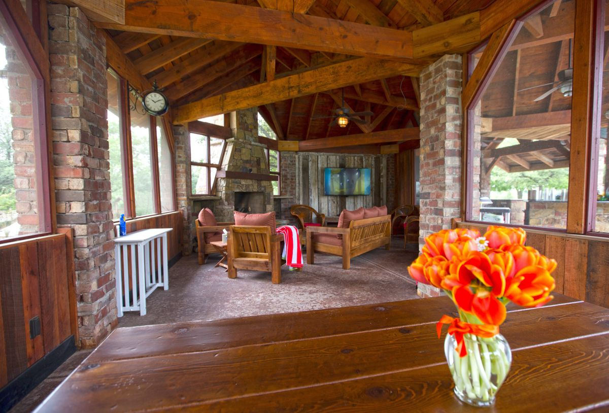 Sanders Hitch Traditional Home Photo Video Shoot Location Interior Rooms 28.jpg