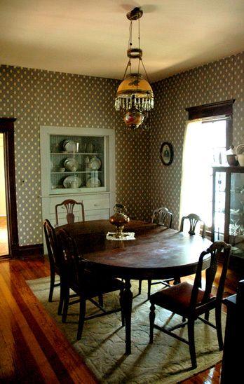 108_dining_ranchhouse_gibbons_00.jpg