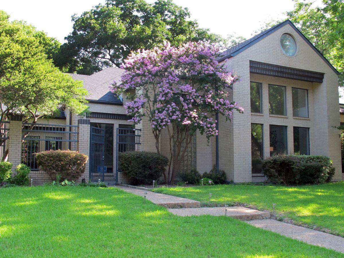 Kirkpatrick Contemporary Home Photo Video Shoot Location Dallas 31.jpg