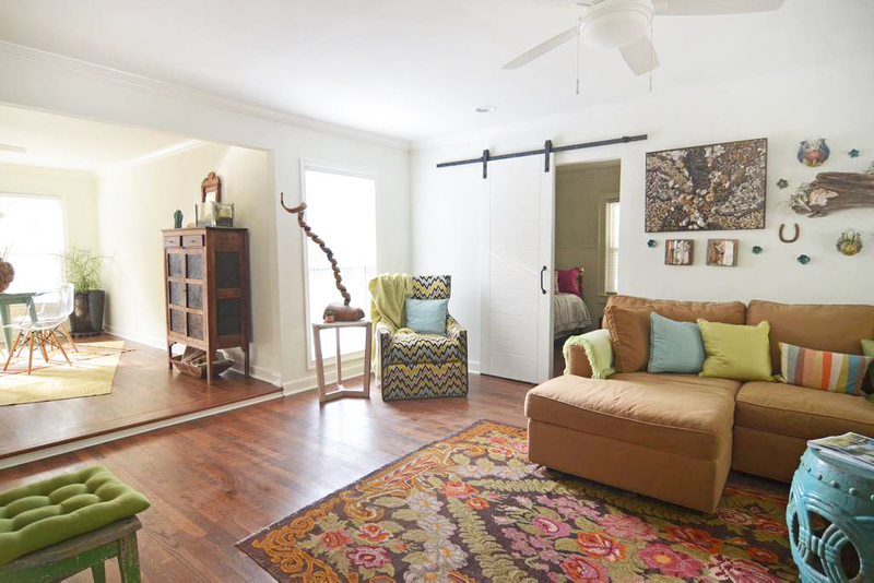 Lucky Traditonal House Poto Video Shoot Location Dallas8.jpg