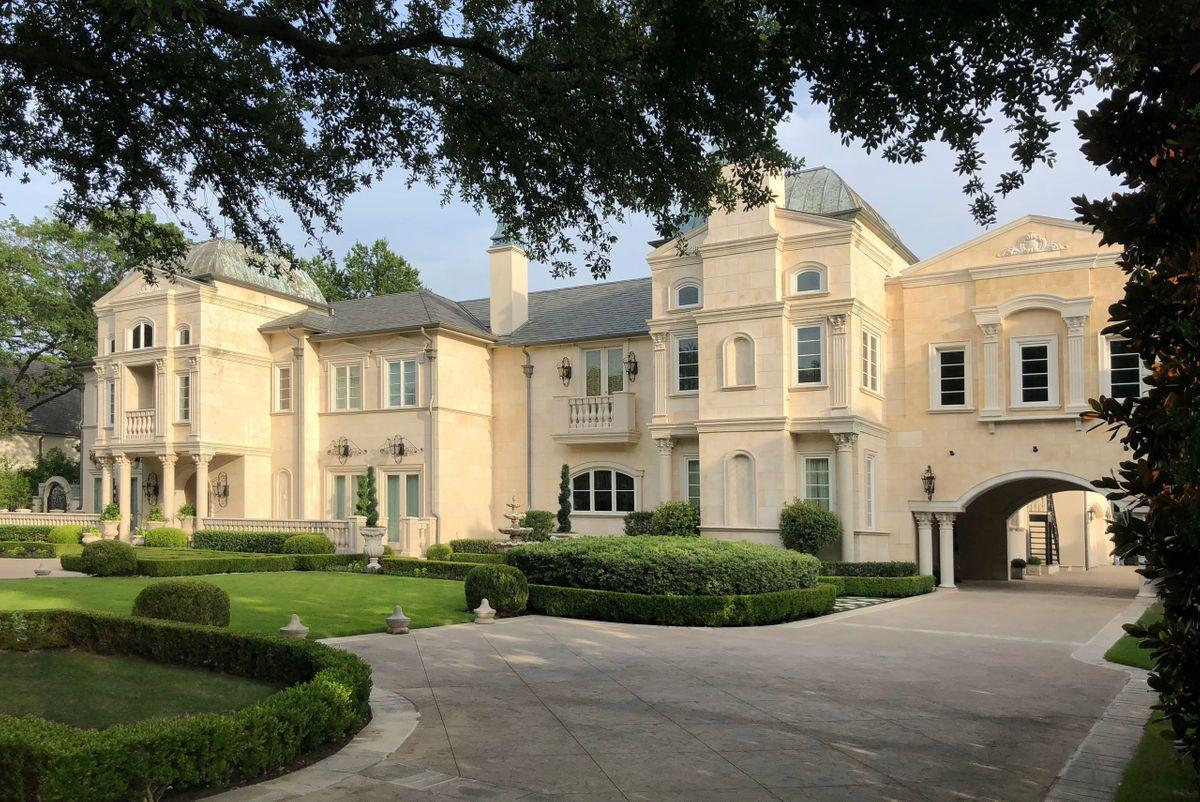 Falls Mansion Photo Video Shoot Location  Dallas 66.jpg