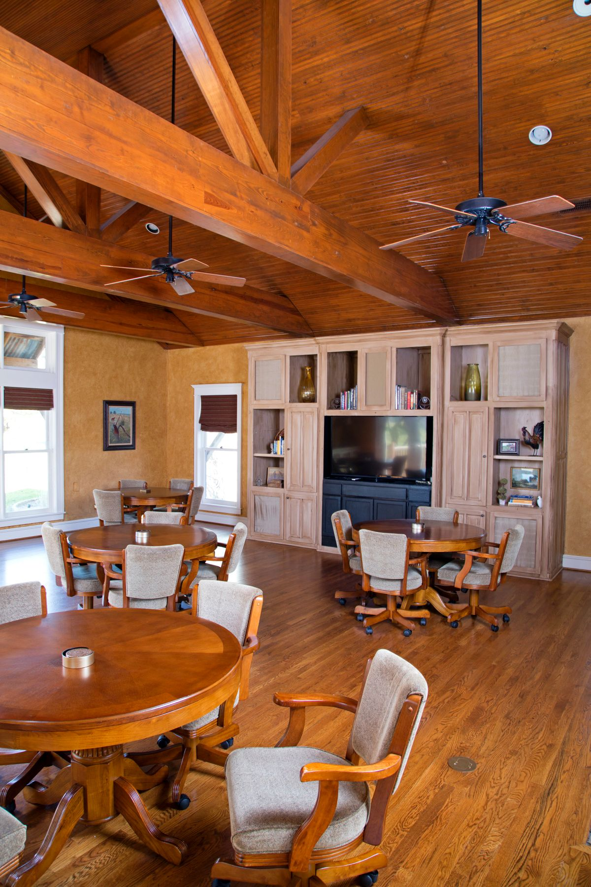 Sanders Hitch Traditional Home Photo Video Shoot Location Interior Rooms 35.jpg