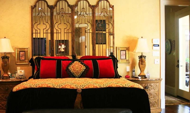 1r23_bedroom_squibb.jpg
