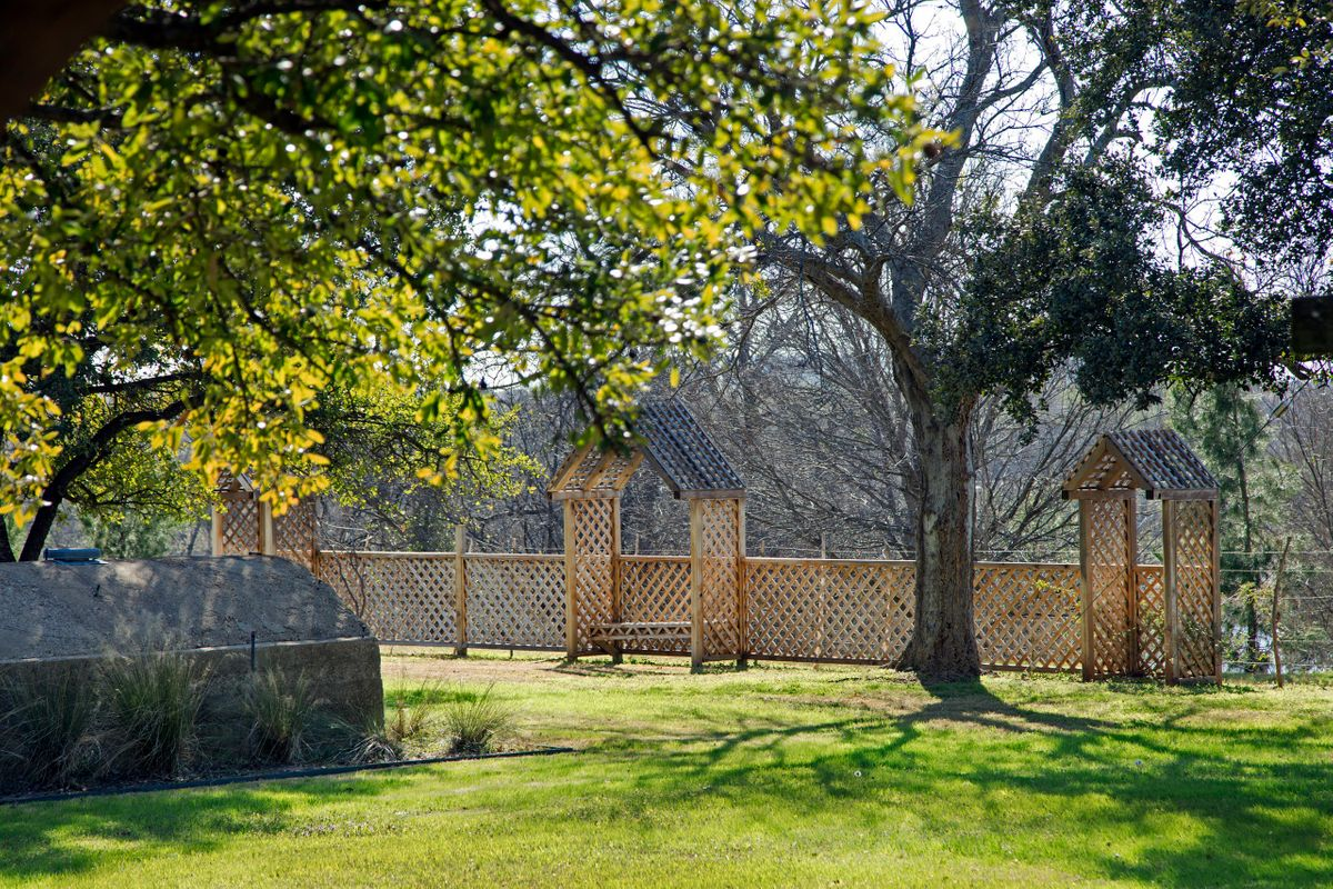 Sanders Hitch Traditional Home Photo Video Shoot Location Landscape 10.jpg
