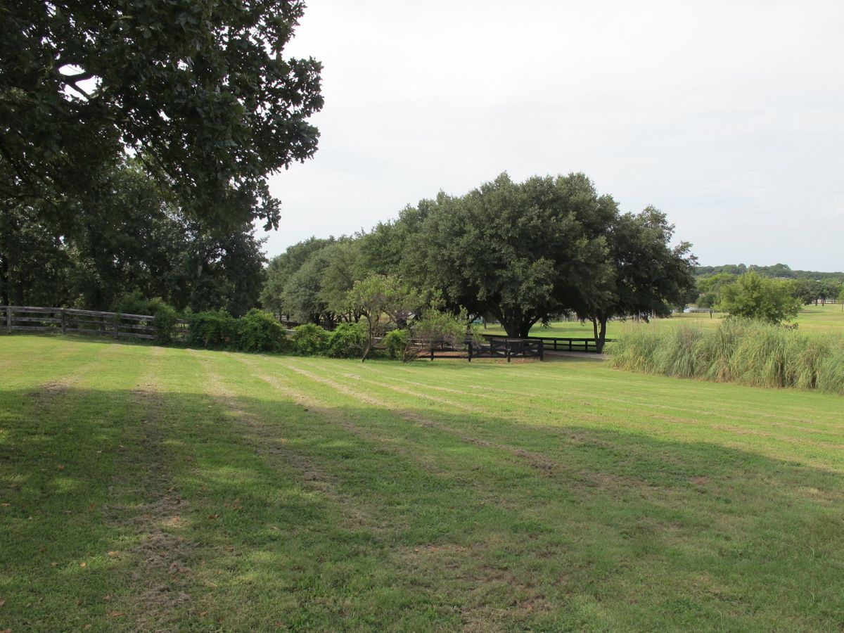 Jim's Farm Home Photo Video Shoot Location Dallas 09.jpg