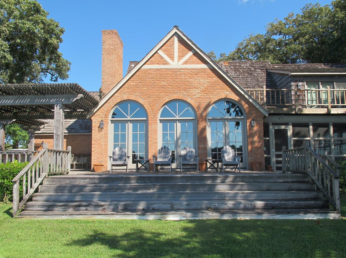 Pola Lakehouse Video Shoot Location Homes Dallas 33.jpg