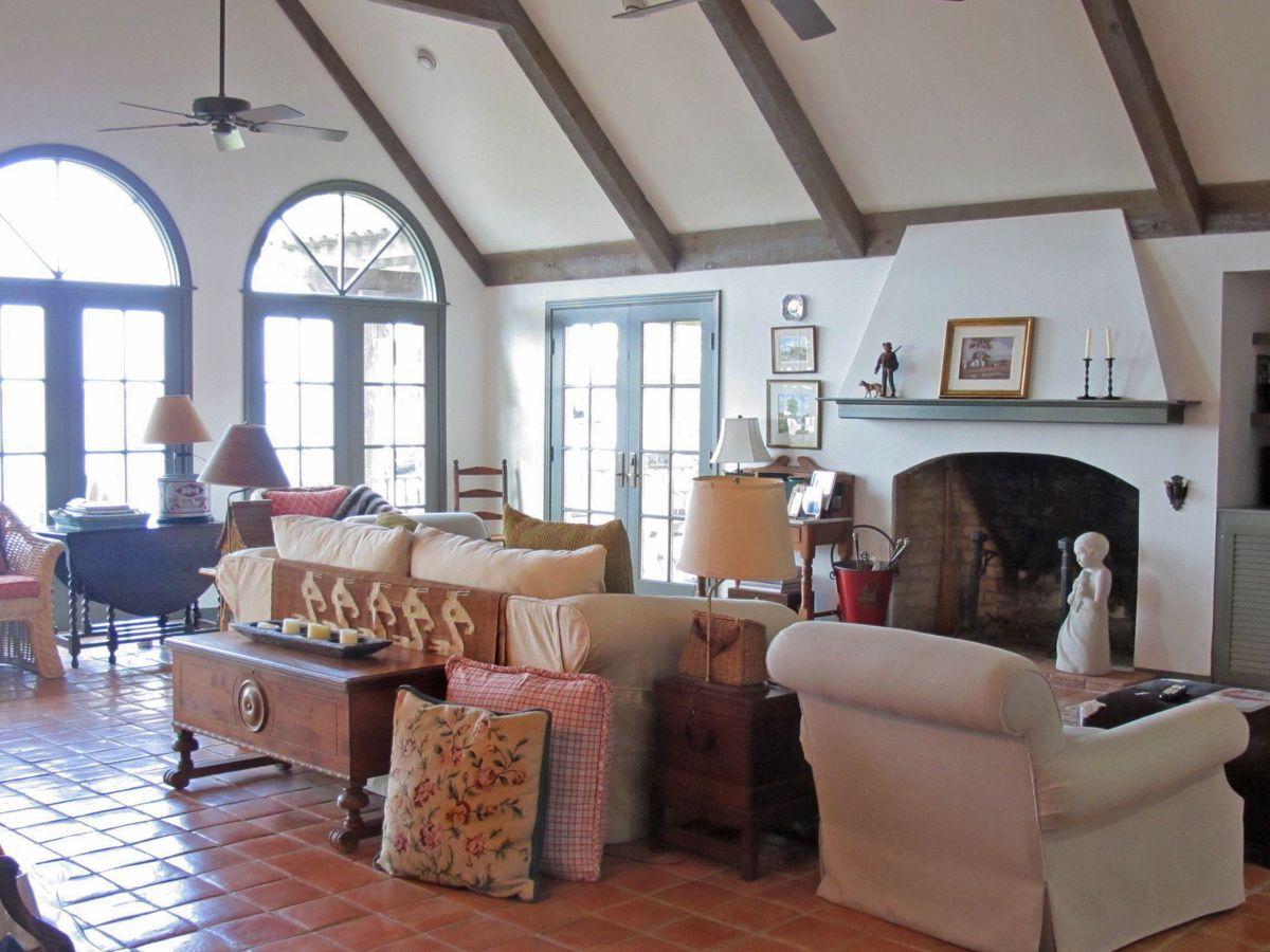 Pola Lakehouse Video Shoot Location Homes Dallas